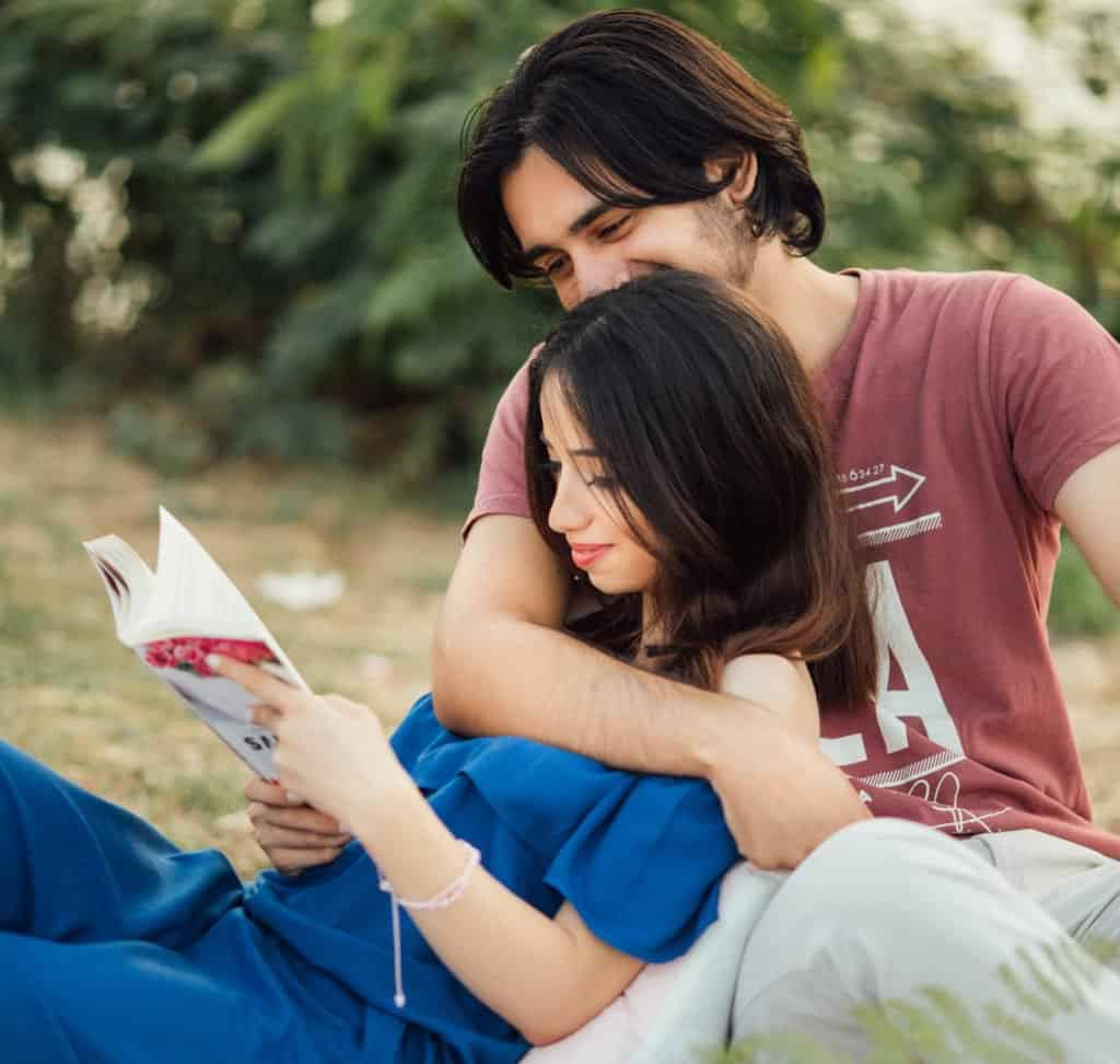 Am I Falling in Love? How to Know If You Fall in Love with Someone