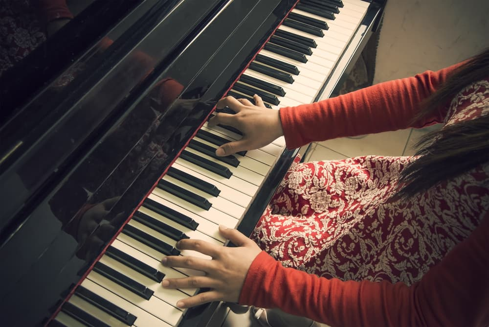 Ways Playing a Musical Instrument can Improve Your Writing