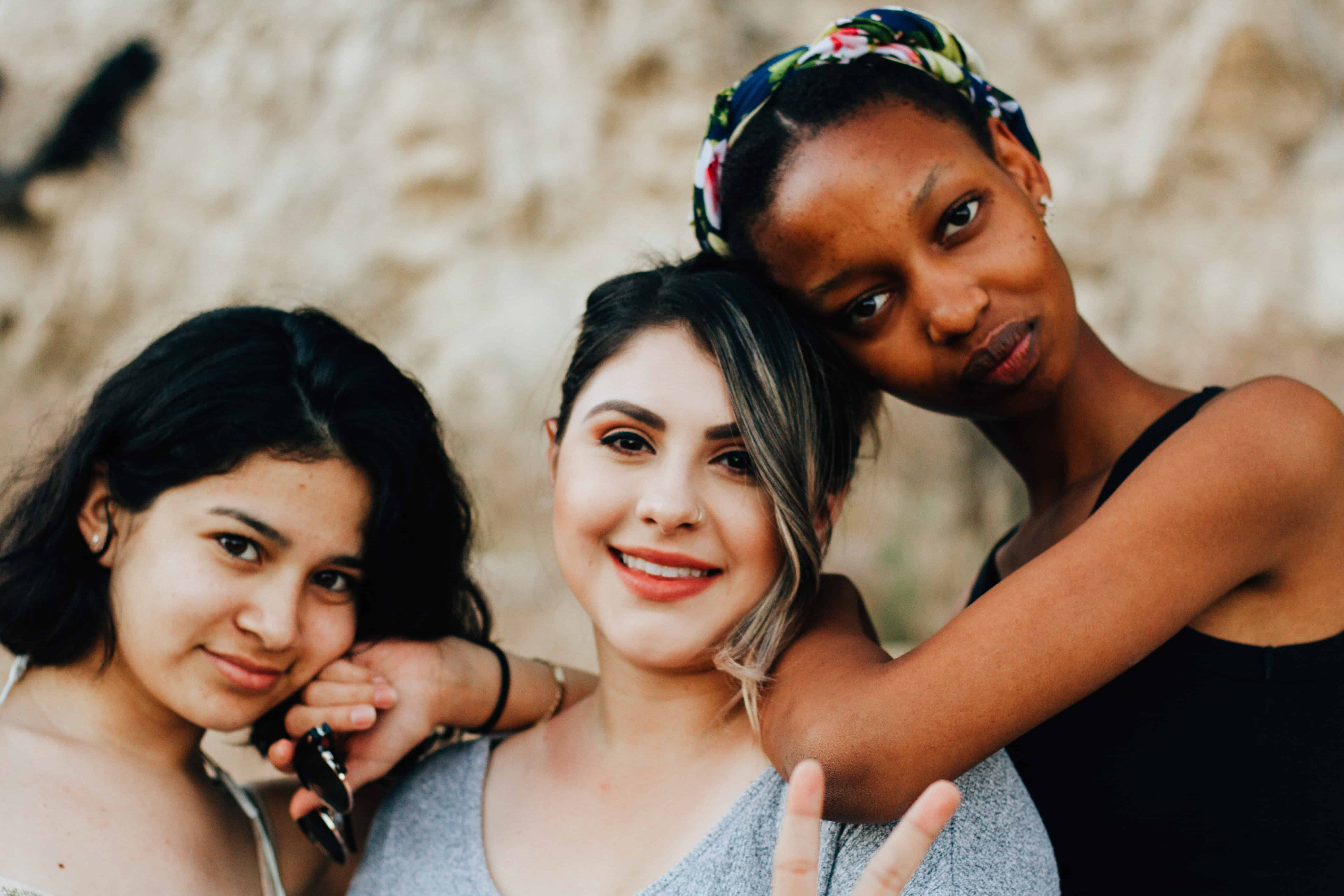 8 Ways to Attract The Right People in Your Life