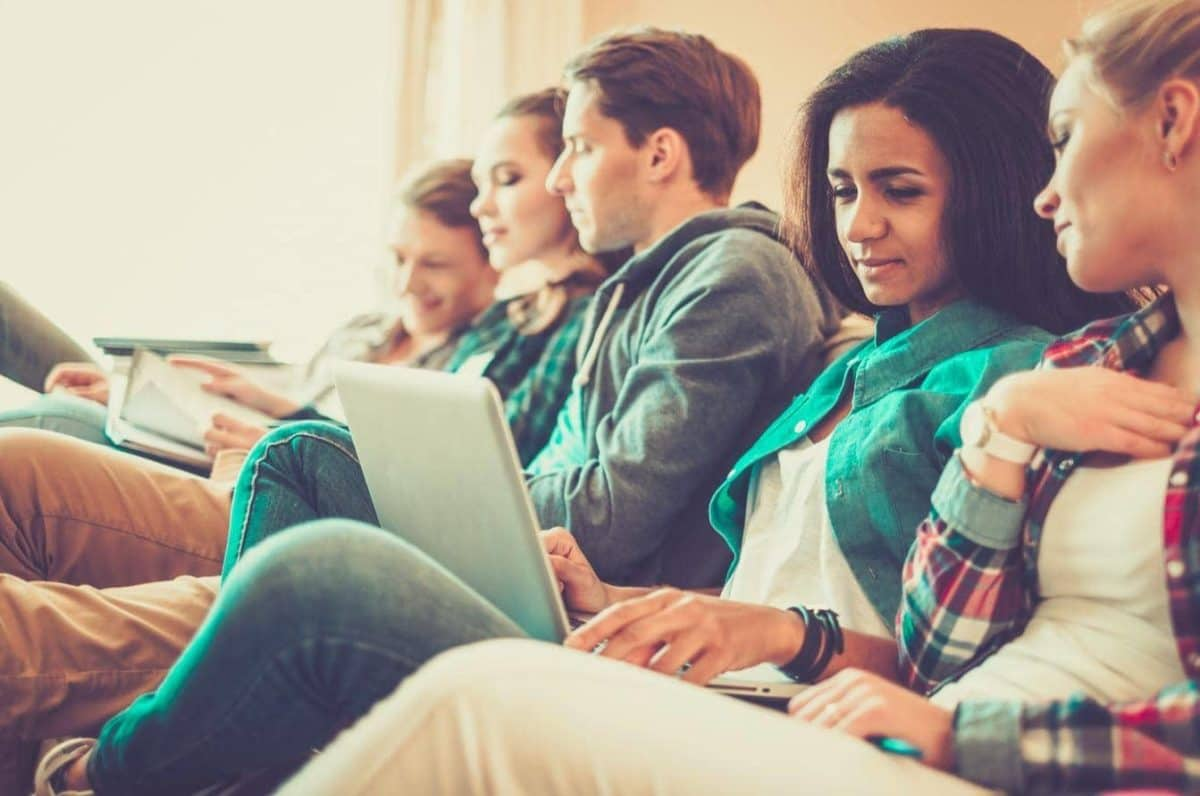 10 Useful Websites Every College Student Needs To Know
