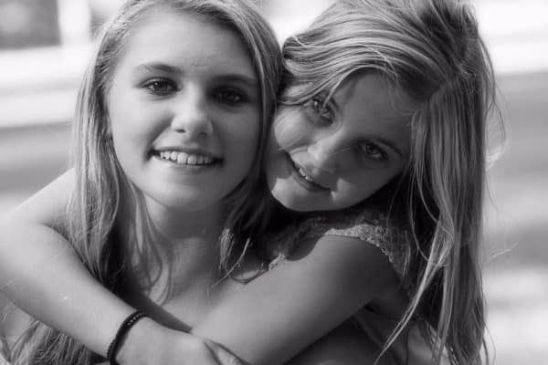 15 Amazing Benefits of Having a Little Sister