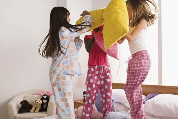 10 Fun Sleepover Games for Tweens